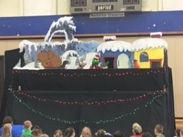 EPB students enjoy a show by the Frogtown Mountain Puppeteers